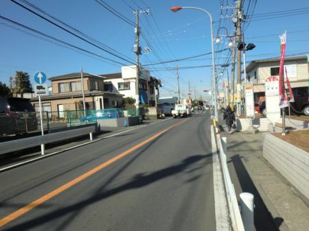 横須賀水道みち・県道32号線バス停梶原口付近