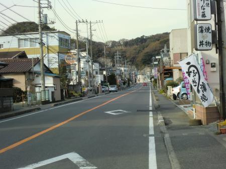 横須賀水道みち上流方面を望む・逗子市久木5