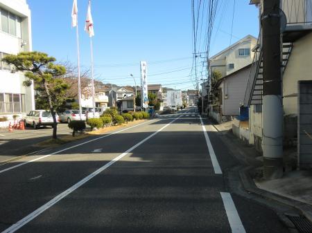 横須賀水道みち・逗子警察署前