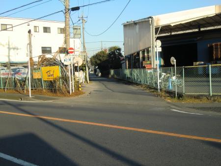 神奈川県営水道みち・県道508号線葛輪バス停前