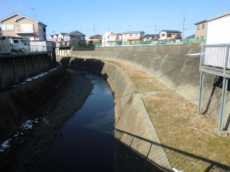 枡田橋から姥川上流を望む