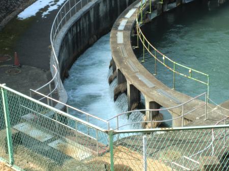 下九沢分水池・溢流と横浜隧道へ
