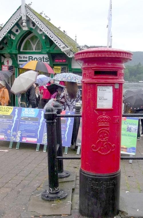 イギリスB2012.06 029何か懐かしいポスト-2