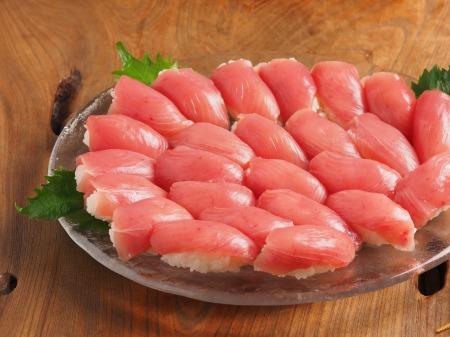 キハダマグロにぎり寿司01