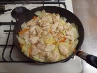 キャベツと鶏むね肉のフライパ50