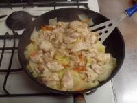 キャベツと鶏むね肉のフライパ52