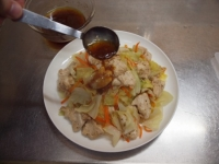 キャベツと鶏むね肉のフライパ54