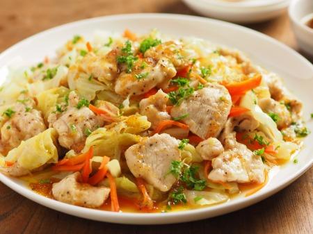 キャベツと鶏むね肉のフライパ31