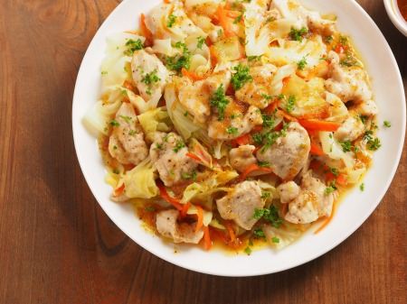 キャベツと鶏むね肉のフライパ22