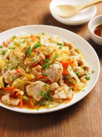 キャベツと鶏むね肉のフライパ19