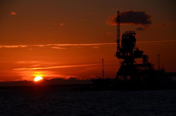 西港からの夕日