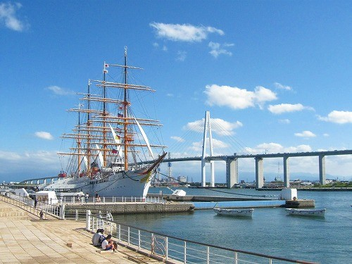 海王丸と橋