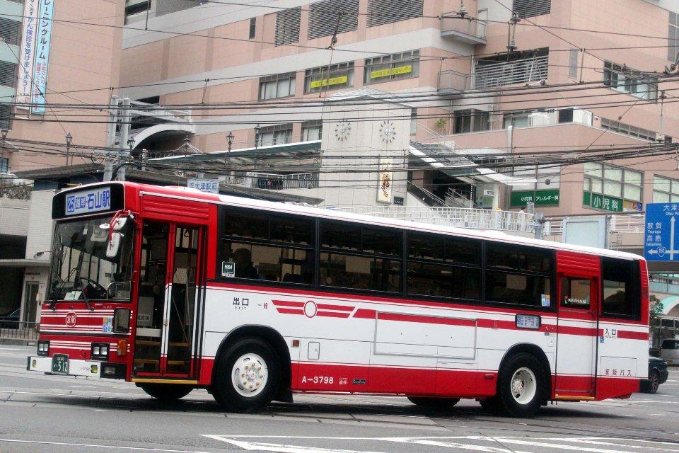 京阪バス A3798