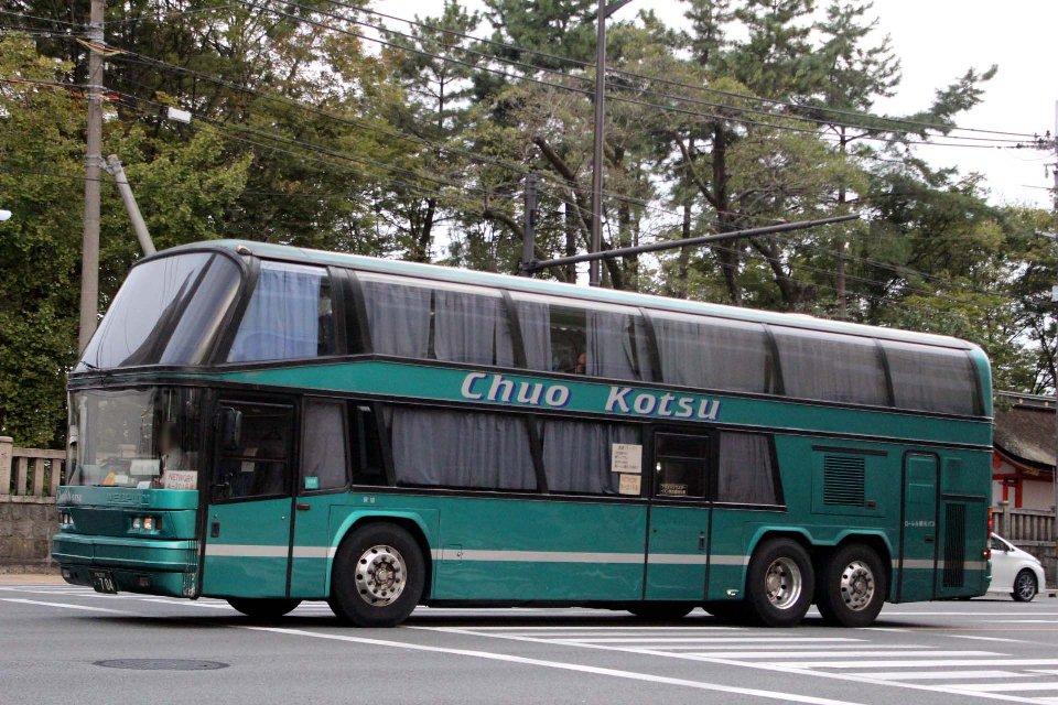 ローレル観光バス か704
