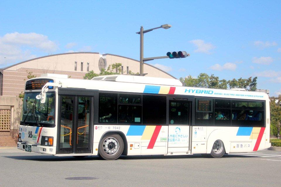 阪急バス 7042