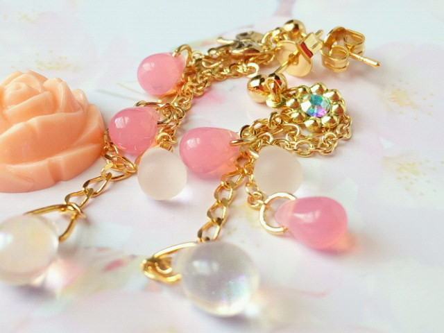 桜色ドロップのピアス2