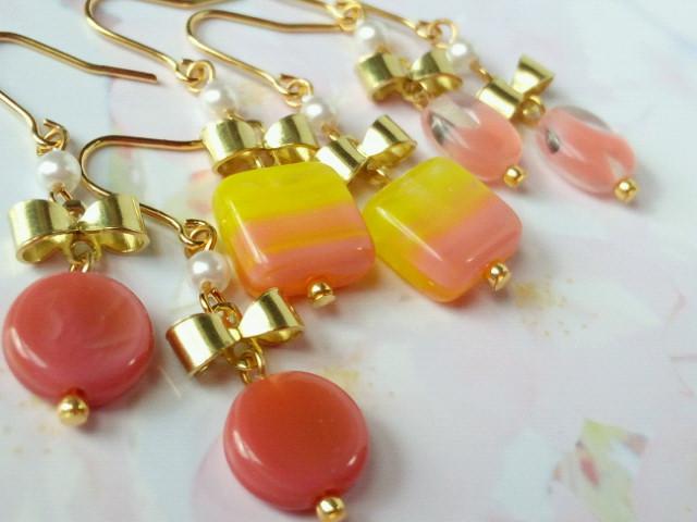 リボンとピンクチェコガラスのプチピアス4