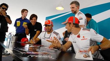 F1 第18戦 アブダビGP:ハミルトンとバトン
