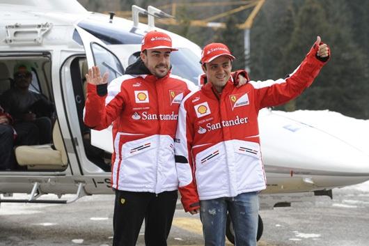 フェラーリの2013年版のチームウェア1
