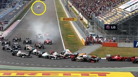 F1スタート時のメディカルカー