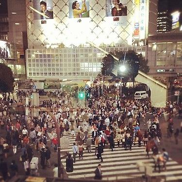 ペレス、渋谷のスタバより