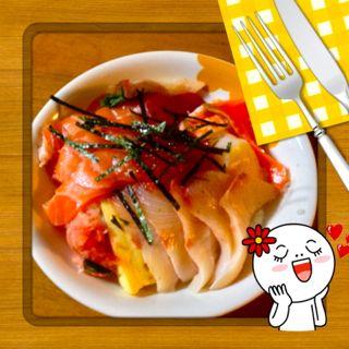 海鮮丼サーモンハマチ