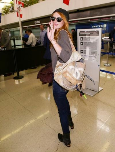 Bella+Thorne+LAX+20141117_01.jpg