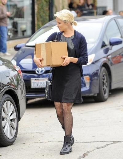 Dianna+Agron+in+Hollywood+20141117_02.jpg