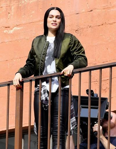 Jessie+J+Films+New+Music+Video+Los+Angeles+20141117_03.jpg