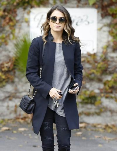 Nikki+Reed+Visits+A+Style+Firm+20141117_01.jpg
