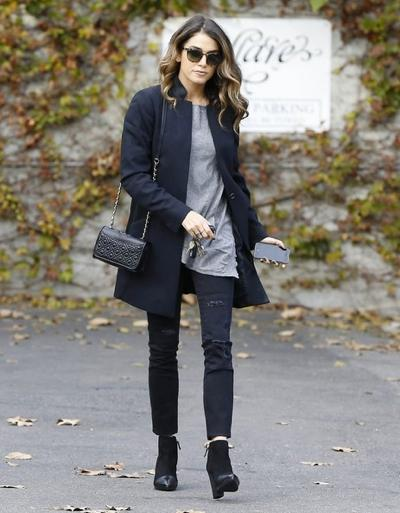 Nikki+Reed+Visits+A+Style+Firm+20141117_02.jpg