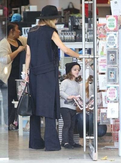 Rachel+Zoe+Son+Shopping+West+Hollywood+20141117_02.jpg