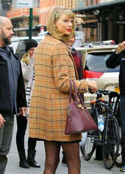 Taylor+Swift+Shopping+NYC+Friends+20141117_01.jpg