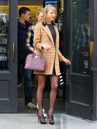 Taylor+Swift+Shopping+NYC+Friends+20141117_03.jpg