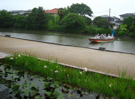 雨の清水と川下り 084