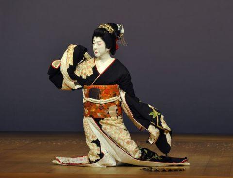 玉三郎 パリ公演『地唄』
