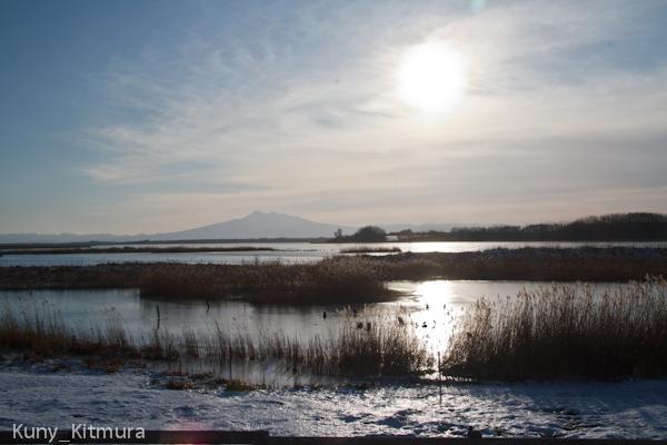 濤沸湖全面結氷