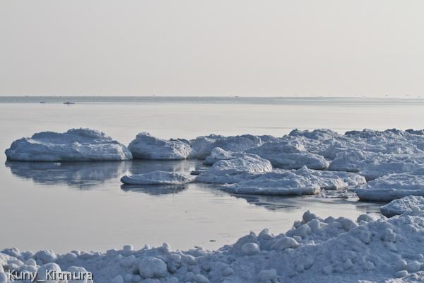 座礁した流氷塊