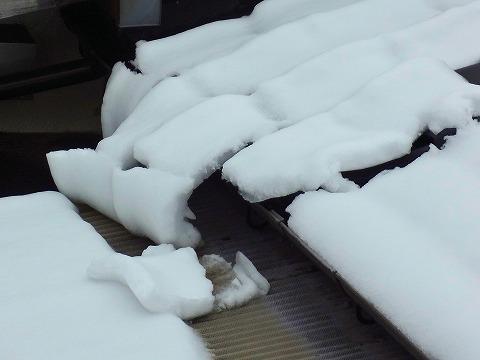 屋根の雪B