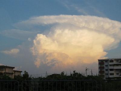 変な雲とゲリラ豪雨 |京都・滋賀リフォームするならフジ・ホーム