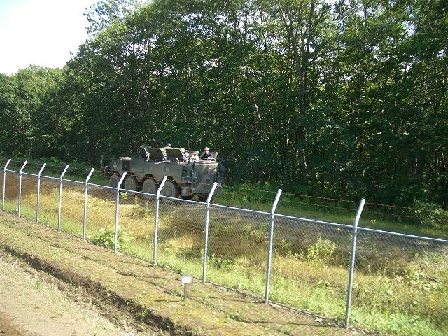 装甲車試乗