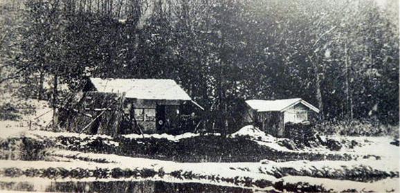 冬の高村山荘