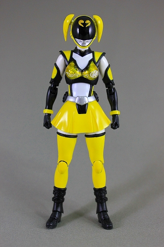 akiba_yellow 004