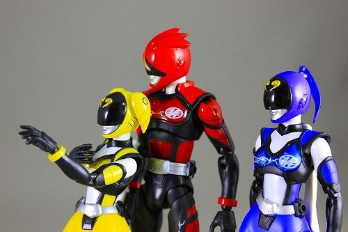 akiba_yellow 015