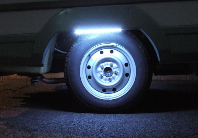LEDテープ点灯夜間