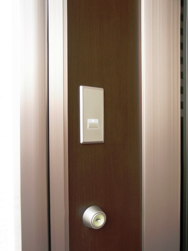 玄関ドア 電子キー部2