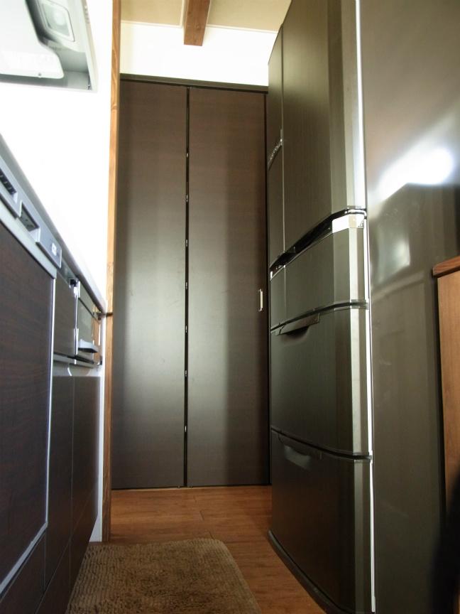 冷蔵庫横2