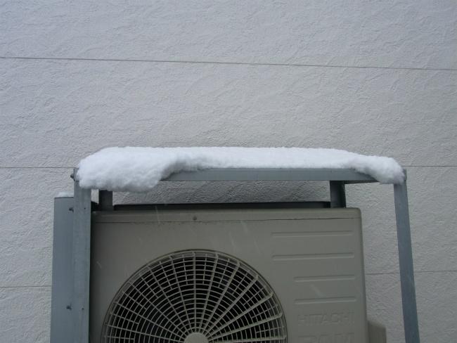 雪 室外機