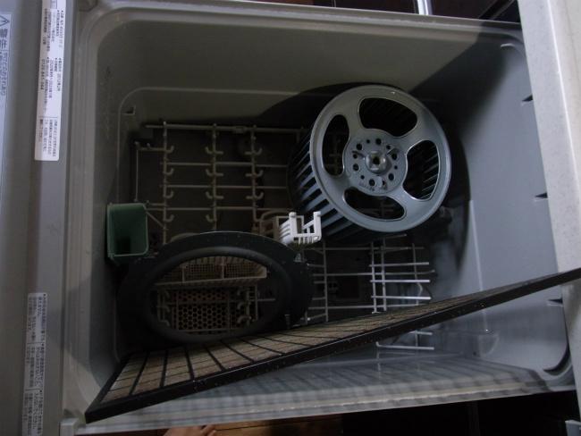 レンジフードファン 全はずし状態 食洗機1