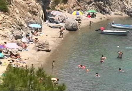レスボス島 ビーチ